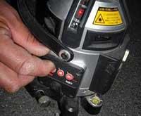 レーザー墨出し器 スイッチ