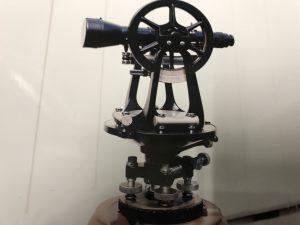 アンティーク 測量機器 写真