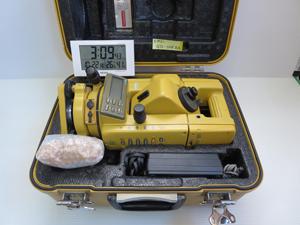 トータルステーション 梱包前 状態 電波時計 撮影2