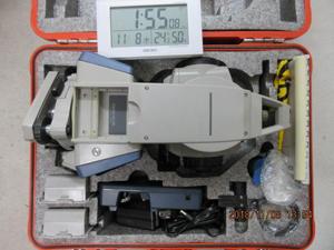 トータルステーション 梱包前 状態 電波時計 撮影1