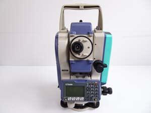 消費税10%の影響で廃業される法人・事業主様!当社に測量機器をお売り下さい!